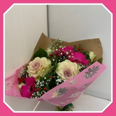 Bouquet ton rose, blanc.. 13.95€